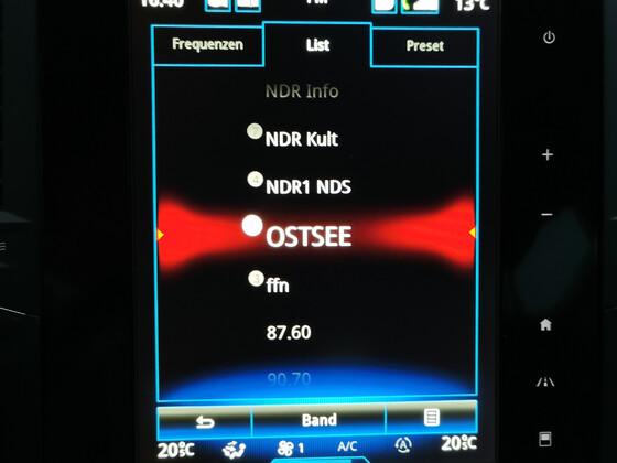 8,7 Zoll Monitor, neu eingebaut
